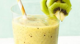 Kiwi And Pineapple Smoothie For Mobile#2