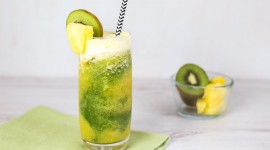 Kiwi And Pineapple Smoothie Wallpaper