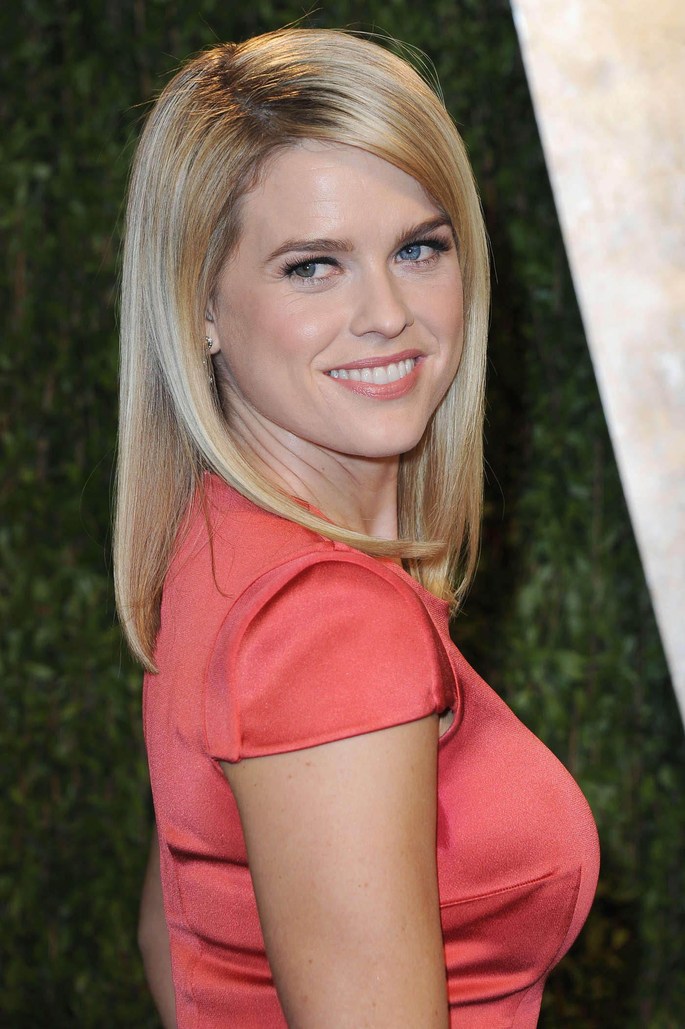 High Quality Wallpapers : Alice Eve Pictures