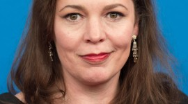 Olivia Colman Wallpaper For IPhone 6