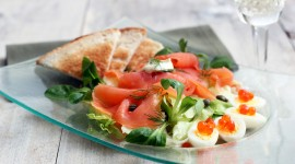 Salad With Salmon Desktop Wallpaper
