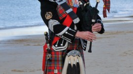 Scottish Costumes Wallpaper For IPhone