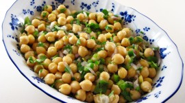 Salad With Chickpeas Photo Free