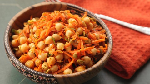 Salad With Chickpeas wallpapers high quality