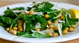 Salad With Chickpeas Wallpaper Free