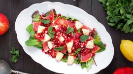 Salad With Pomegranate Wallpaper