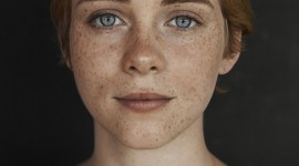 Sophia Lillis Wallpaper For IPhone