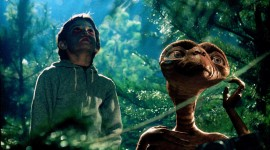E.T. The Extra-Terrestrial Photo Download