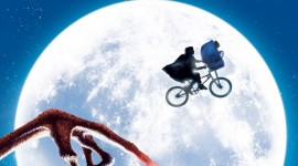 E.T. The Extra-Terrestrial Wallpaper For IPhone