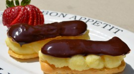 Eclair With Cream High Quality Wallpaper