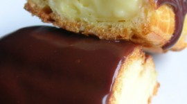 Eclair With Cream Wallpaper For IPhone