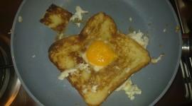 Fried Eggs In Bread Wallpaper 1080p