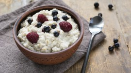 Oatmeal With Dried Fruits Desktop Wallpaper