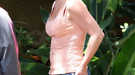 Britney Spears At Home Wallpaper For Android