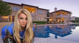Britney Spears At Home Wallpaper HD