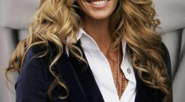Elle Macpherson Wallpaper For IPhone