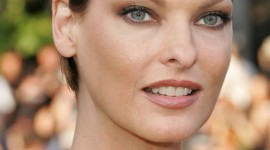 Linda Evangelista Wallpaper Download Free