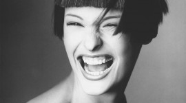 Linda Evangelista Wallpaper For IPhone Free