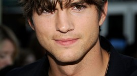 4K Ashton Kutcher Wallpaper For IPhone