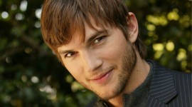 4K Ashton Kutcher Wallpaper Free
