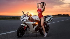 4K Girl On A Motorcycle Photo Free#1