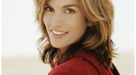 Cindy Crawford Wallpaper For IPhone Free