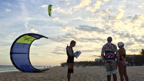 Kiting Instructor wallpapers high quality