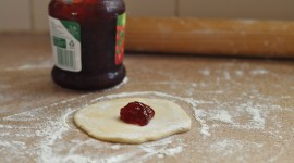 Bun With Jam Wallpaper Download Free