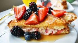 French Toast With Berries Best Wallpaper