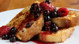 French Toast With Berries Wallpaper For PC