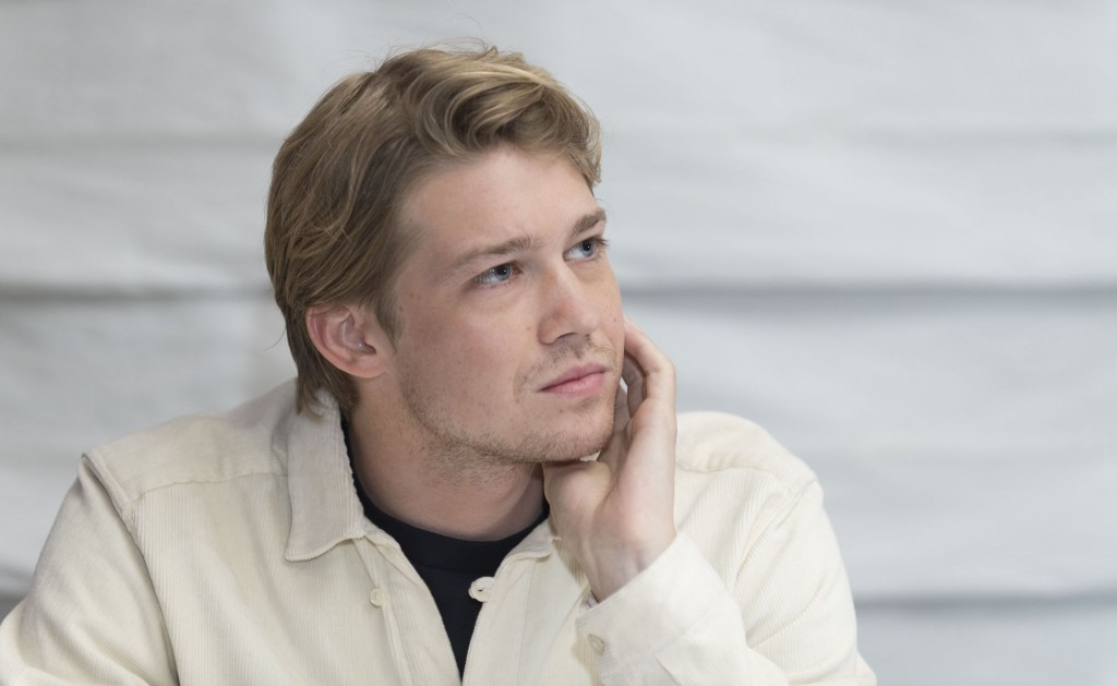 Joe Alwyn wallpapers HD