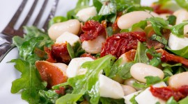Salad With Dried Tomatoes Wallpaper For Mobile