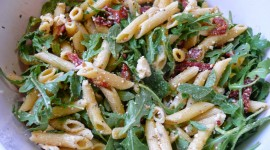 Salad With Dried Tomatoes Wallpaper Free