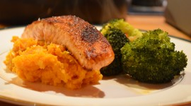 Salmon With Broccoli Wallpaper 1080p