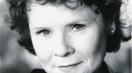 Imelda Staunton Wallpaper For IPhone 7
