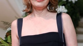 Lesley Manville Wallpaper For IPhone