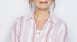 Lesley Manville Wallpaper For IPhone 7