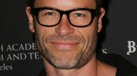 Guy Pearce Wallpaper For IPhone 6