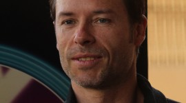 Guy Pearce Wallpaper For IPhone 6 Download