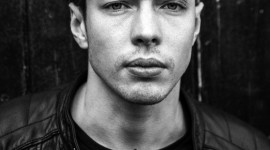 Barns Courtney Wallpaper For IPhone