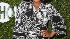 Yvette Nicole Brown Wallpaper Download Free