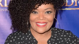 Yvette Nicole Brown Wallpaper For IPhone 6