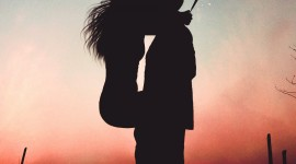 4K Couple Kiss Love Wallpaper For IPhone#1