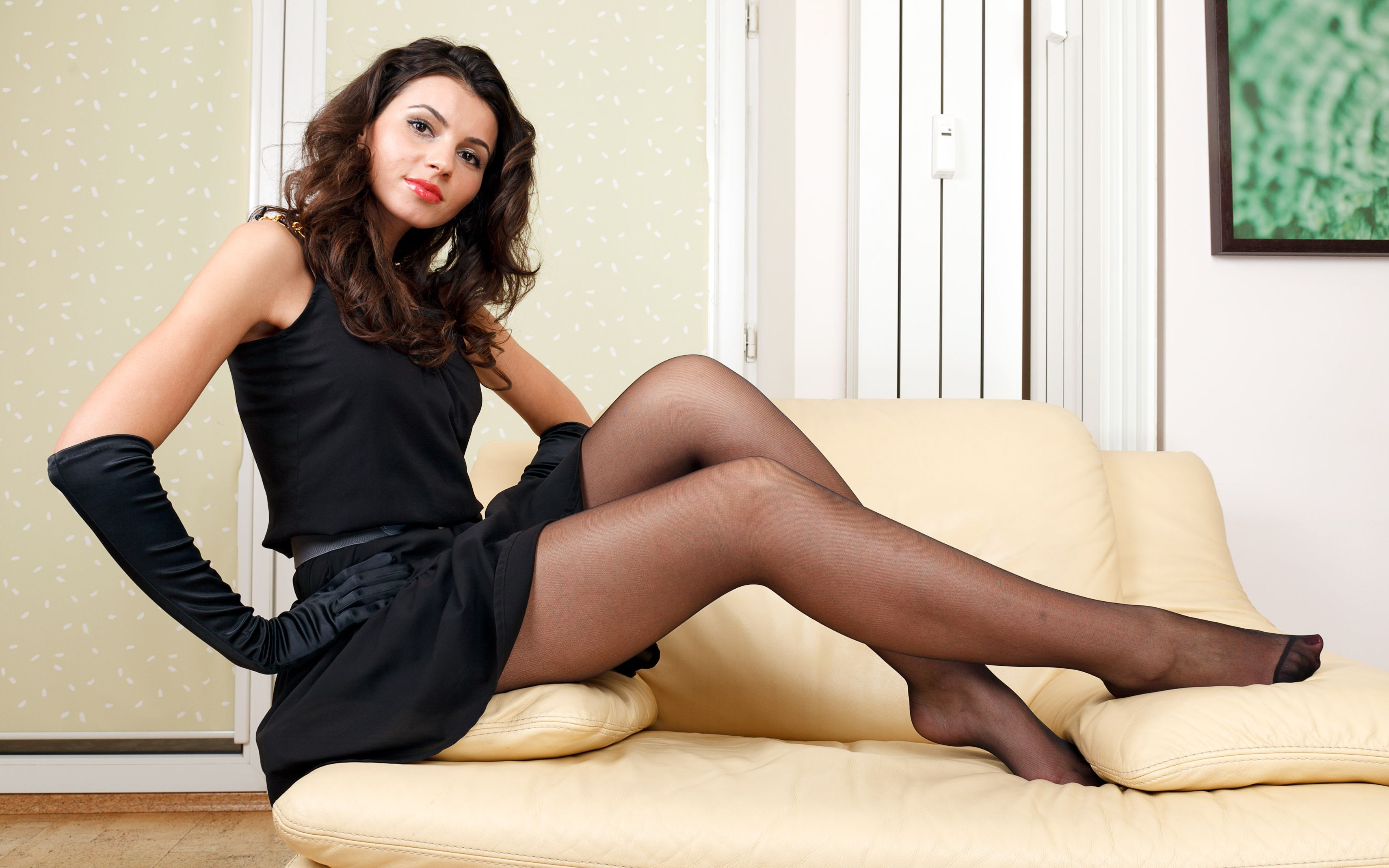 4K Woman Stockings Wallpapers High Quality | Download Free
