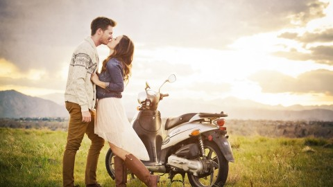 Couple Motorcycle Love wallpapers high quality