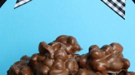 Peanut Candy Wallpaper For IPhone Free