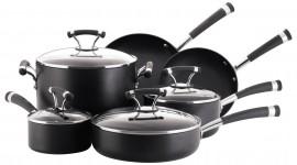 4K Pots And Pans Image