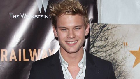 Jeremy Irvine wallpapers high quality