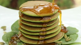 Pancakes With Spinach Wallpaper