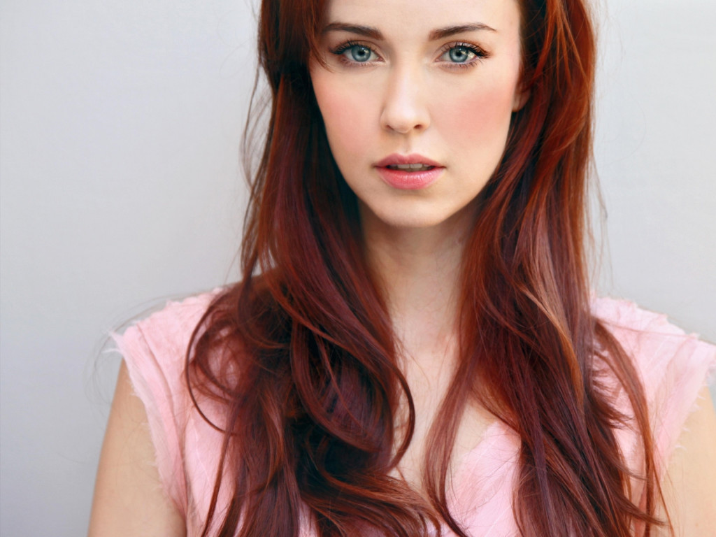 Elyse Levesque wallpapers HD